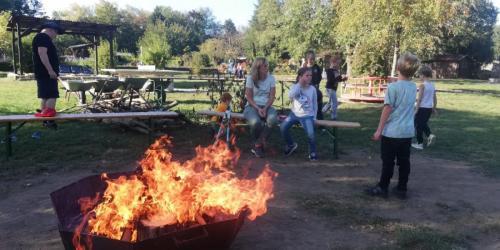 E Das Feuer brennt
